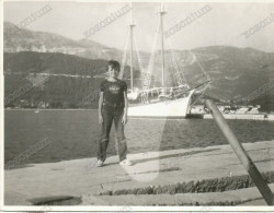 Boy In Port, Garçon, Errror Photo , Vintage Old Photo - Enfants