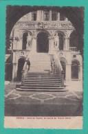 VENEZIA --> Scala Dei Giganti,nel Cortile Del Palazzo  Ducale - Venezia