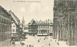 67 - STRASBOURG - Place De La Cathédrale - Strasbourg