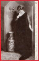 [DC6346] SALON 1919 - M. PLAZA FERRANO - MELANCONIA - Old Postcard - Moda
