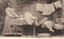 Madagascar Postcard  - Antananarivo. Malagasy Laundress (826) - Unclassified