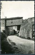 CPSM  MONTMOREAU - Le Pont Sur La Rue (XIVe S.) - Sonstige Gemeinden