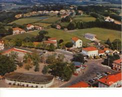 Montfort-en-Chalosse..belle Vue Aérienne Du Village - Montfort En Chalosse