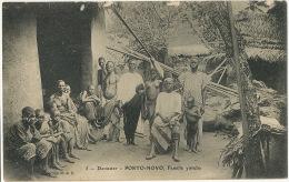 5 Porto Novo Famille Yoruba Coll. M Et D Jeune Fille Seins Nus Ecrite Dosso 1917 Non Timbrée - Dahomey