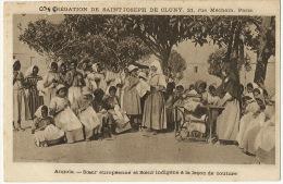 Angola Soeur Europeenne Et Soeur Indigene Leçon De Couture Machine A Coudre Sewing Singer - Angola