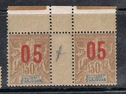 ANJOUAN N°25 N** En Paire Galvano, Variété Surcharge Espacée Tenant à Normal - Anjouan (1892-1912)