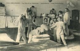 CPA 45 ORLEANS LA VIE A LA CASERNE INFANTERIE LES POLOCHONS 1910 - Orleans