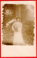 [DC6348] DONNA SPOSA FIORI - Old Postcard - Moda