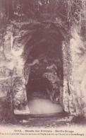 CPA 63 @ ROYAT @ Ciché Rare ! MUSEE DES VOLCANS  La GROTTE ROUGE - Grotta Del Cane à Naples Italie - Royat