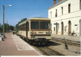 CF 266   Train Locomotive Autorail Tramways Autorails En Gare De ROMORANTIN - Romorantin