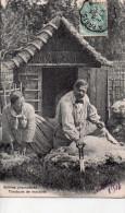 Cpa , Scens Champetres , Les Tondeurs De Moutons..joli Plan - Elevage