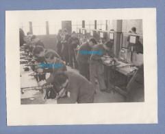 Photo Ancienne - PARIS 10e - Ecole D' Ajustage ? Atelier Rue De Sambre Et Meuse - Berufe