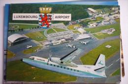 AEROPORT / FLUGHAFEN  / AIRPORT      LUXEMBOURG  FOKKER 27   LUXAIR - Aeródromos