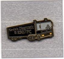 Pin´s  Photos, Transport, Kodak  Diagnostic  E 250 / P C, Camion  Renault - Trasporti