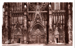 CPSM 67 (Bas-Rhin) Strasbourg - Façade De La Cathédrale - Strasbourg
