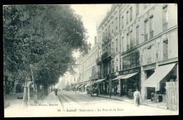 Cpa Du 53  Laval La Rue De La Paix   LEG9 - Laval