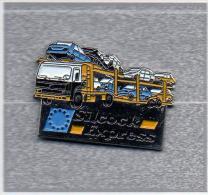 Pin´s  Transport  De  Voitures  Avec  Silcock  Express, Camion  RENAULT  ? - Transportation