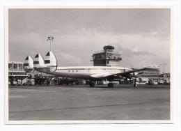"""Foto AMSTERDAM SCHIPHOL Flughafen Flugzeug """"De Vliegende Hollander""""- KLM PH-LKG - Lockhead Super Constellation 1950er - Luchtvaart"""