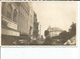 VISTA DE LA ENTRADA DE UN CINE CIRCA 1920 PEQUEÑA FOTOGRAFIA  OHL - Places