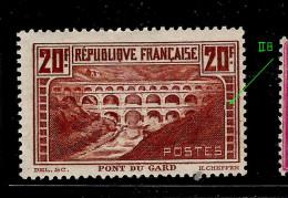 Pont Du Gard  N° 262 (type II B)(état: X Avec   Charnière) Côte:  325€  à 20% - France