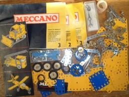 Ancien beau lot de pi�ces - Jeu MECCANO - + manuels 2 et 3 - +/- 300 pi�ces