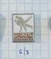 JUDO CLUB STARA GRADISKA (Croatia) Yugoslavia / LUTTE Wrestling Worstelen Lucha / Concentration Death Camp - Judo