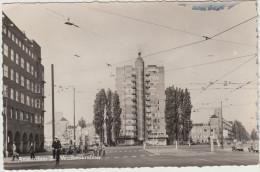 Amsterdam Z.  - Wolkenkrabber: CITROËN TRACTION AVANT, FIAT 1100, OPEL KAPITÄN , BICYCLES  - Noord-Holland / Nederland - Amsterdam