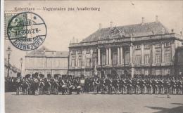 Kjobenhavn - Copenhagen - Vagtparaden Paa Amalienborg (animation, 1910) - Danemark