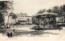 TOULON - La Place D' Armes Et La Préfecture Martime - Kiosque   (65516) - Toulon