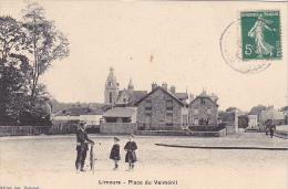 23439 -LIMOURS Place Du Valménil. Ed Vve Coiscaud -velo Enfant
