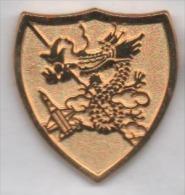 Superbe Pin´s , Armée Militaire , Blason , Dragon - Militaria