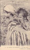 23450 Le Maroc Pittoresque Deux Soeurs - 10 Grebert Photo Casablanca - Femme Enfant