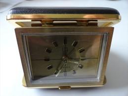 ANCIEN PETIT REVEIL DE VOYAGE  UTI 7 JEWELS GERMANY - Alarm Clocks