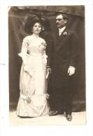 Carte Photo : Couple En Tenue De Soirée [ Noce Cf. Texte ] ( M. Et Mme Péraldon Ou Géraldon ??? ) - Couples