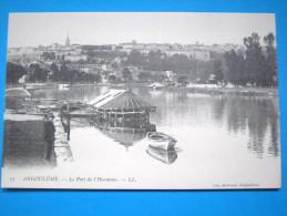 16 : ANGOULEME : Le PORT De L'HOUMEAU , Le BATEAU LAVOIR  : C.P.A. Carte En Trés Bon état, Animée - Angouleme