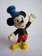 figurine MICKEY STEAMBOAT WILLIE  ( sans son bateau d�origine ) -BULLY 1984