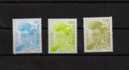 2002  SENEGAL  LA FEMME PEULH  NEUFS** MNH  Y&T 1680F-1680J-1680K - Sénégal (1960-...)