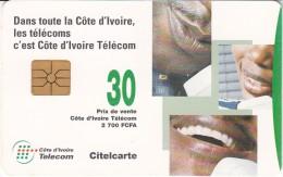 IVORY COAST - 27 - PEOPLE ON TELEPHONES - Costa D'Avorio