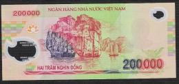 VIETNAM  P123g  200.000  DONG   2013   Dated 2013  UNC. - Vietnam