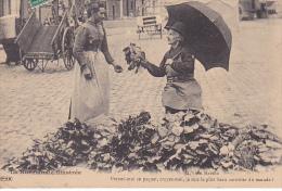 23504 Normandie Illustree -marché -ed 72 PRS- Prenez Moi Paquet Beau Carottier Monde -carotte Legume Primeur Paysan - Paysans