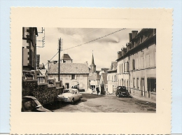 63 LA TOUR D´AUVERGNE 2 PHOTOS...RUE  ..  VOITURES  TRES BON ETAT 2  SCAN...10   X  8  CHAQUE - France