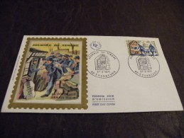 H01.FDC..PREMIER JOUR D´EMISSION...JOURNEE DU TIMBRE....27 MARS 1971..92  COURBEVOIE....timbre /collection.. - FDC