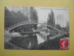 La Passerelle Dans Le Jard. - Châlons-sur-Marne