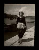 29 - PHOTO De Costumes Du Finistère - EPREUVE De L´Editeur GABY - Probablement Prise à DOUËLAN - Coiffes - Lieux