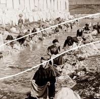 FRANCE LES LAVANDIERES   TIRAGE D APRES PLAQUE PHOTO EN 1899