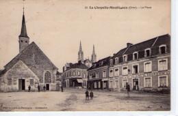 La Chapelle-Montligeon.. Animée..la Place..Hôtel Du Montligeon..commerces..l'Eglise - Frankreich