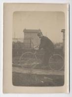 PHOTO DE 7 CM X 10CM - 1900 Homme Velo---E51 - Personnes Anonymes