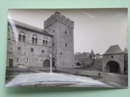 Thy-le-Château ( Vue De La Cour Intérieure ) Anno 19?? ( Zie Foto´s Voor Details ) - Lugares