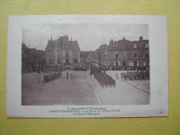 SAINTE MENEHOULD. La Place De L'Hôtel De Ville. - Sainte-Menehould