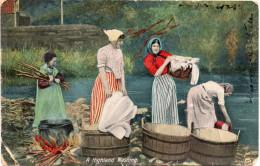 Cpa Chromo 1912,  A Higland Wasching, Lavandières Au Travail   (32.30) - Peintures & Tableaux